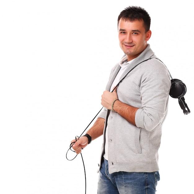 Adulto casual com equipamento desportivo Foto gratuita