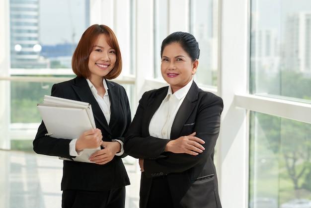 Advogados profissionais Foto gratuita