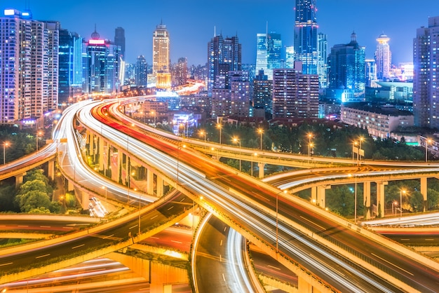 Aéreo, vista, shanghai, viaduto, noturna Foto gratuita