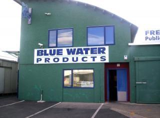 Água azul, facas Foto gratuita