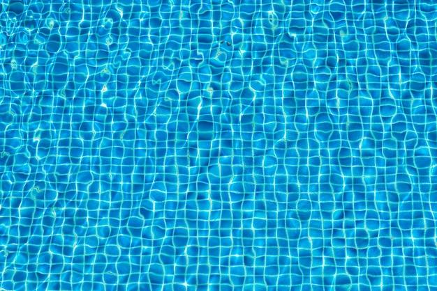 Água de fundo abstrata na piscina Foto gratuita