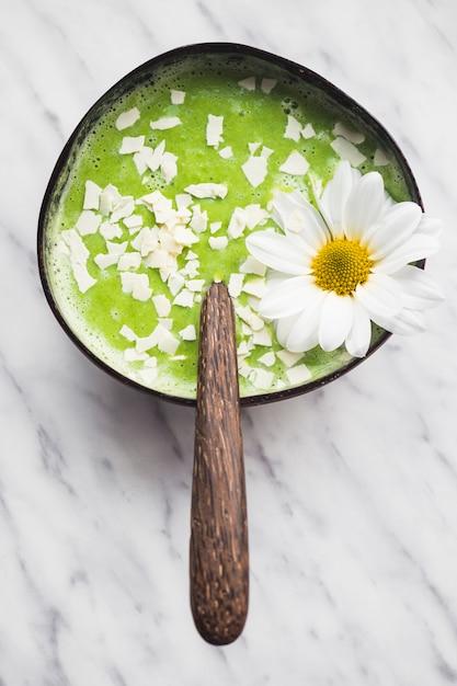 Ainda vida de delicioso smoothie de kiwi Foto gratuita