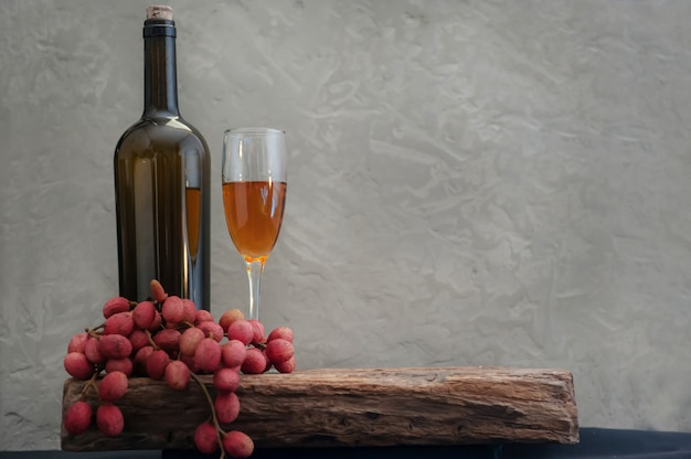 Ainda vida de vinho de lichia tropical divina Foto Premium