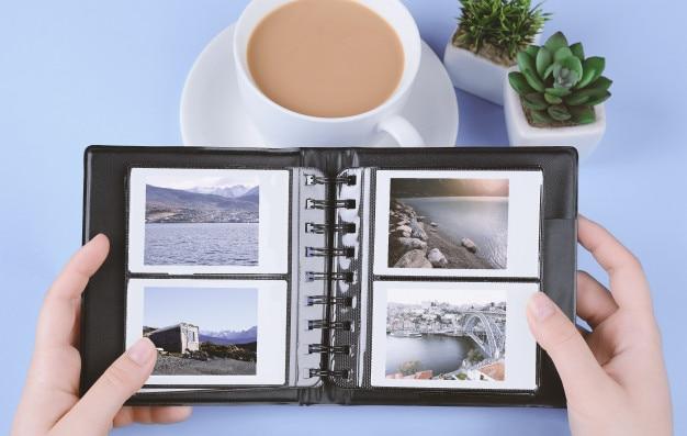 Álbum de fotos com fotos instantâneas de paisagens Foto Premium