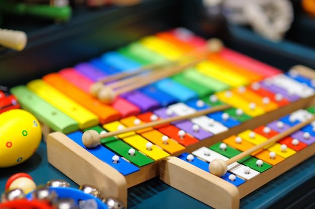 Alguns xilofones brilhantes, foto closeup Foto Premium