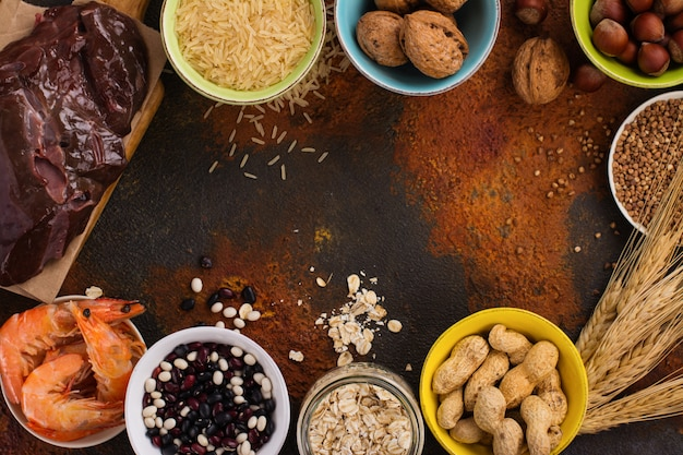 Alimentos ricos em mineral de cobre Foto Premium