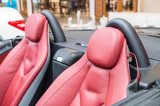 Almofada de carro moderno Foto gratuita
