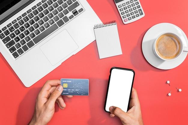 Alto ângulo de compras on-line com espaço de cópia Foto Premium