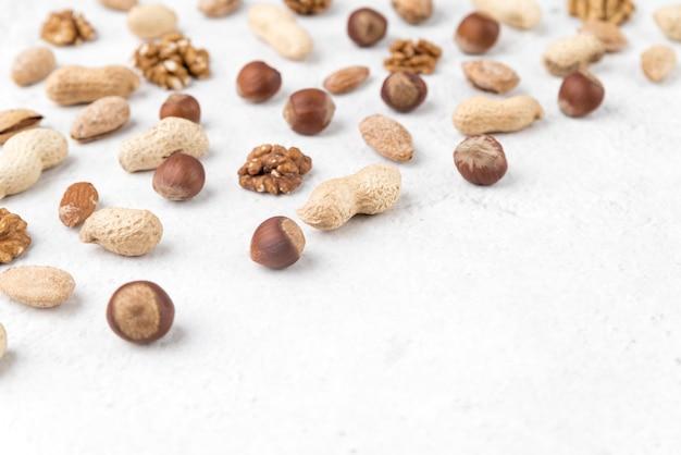 Alto ângulo do conceito de chesnuts Foto gratuita