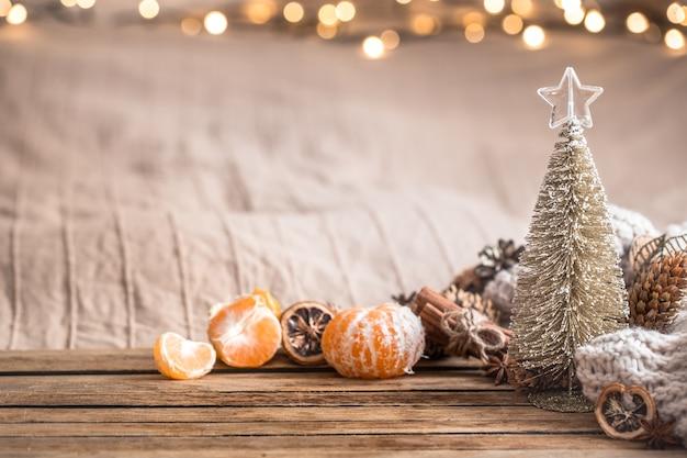 Ambiente acolhedor de natal festivo com decoração de casa Foto Premium
