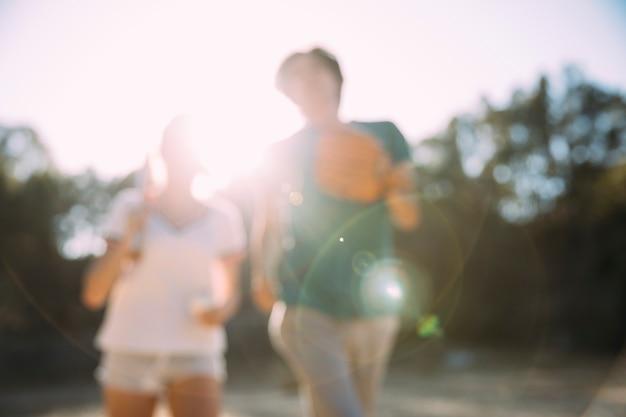 Amigos adolescentes, desfrutando, verão Foto gratuita