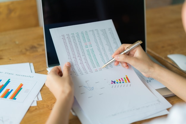 Análise dados estatísticas análise preço Foto gratuita