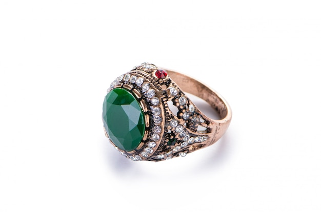 Anel de joias de ouro isolado Foto Premium