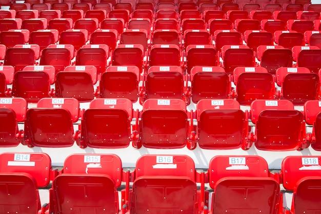 Anfiteatro de assentos vermelhos Foto Premium