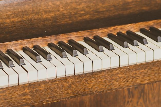 Antigas teclas de piano vintage Foto gratuita
