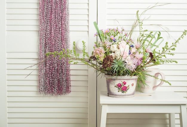 Apanhador de sonhos rosa com flores Foto Premium