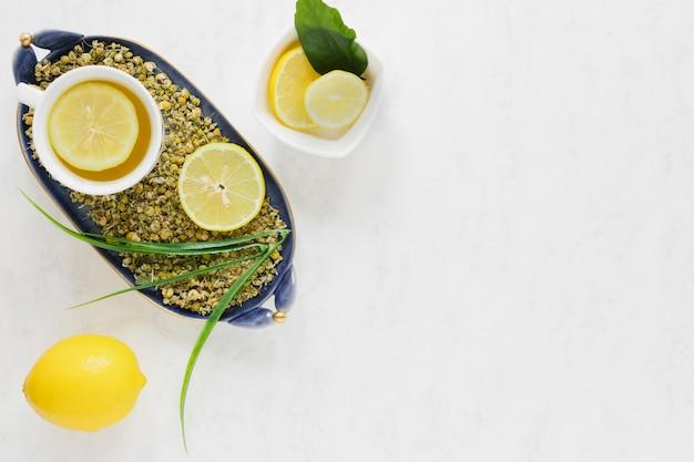 Apartamento leigos de chá de limão com espaço de cópia Foto gratuita