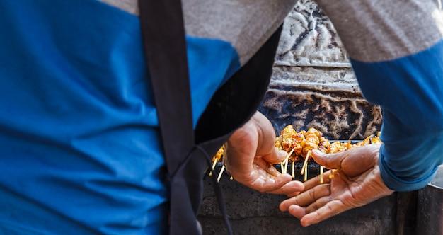 Aperitivo, comida de rua tradicional tailandesa Foto Premium