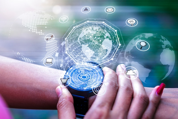 7ad8811d9 Aplicativo de ícones de holograma digital na tela do relógio de mão.  tecnologia de rede