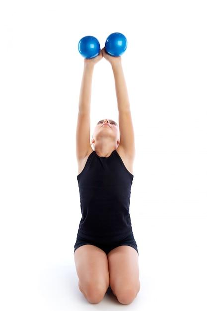 Aptidão ponderada pilates bolas garoto menina exercício Foto Premium