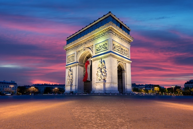 Arco do triunfo e champs elysees Foto Premium