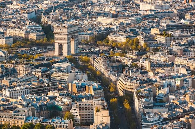 Arco do triunfo em paris vista panorâmica aérea Foto Premium