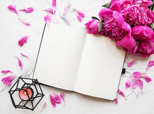 Área de trabalho do blogger ou freelancer Foto Premium