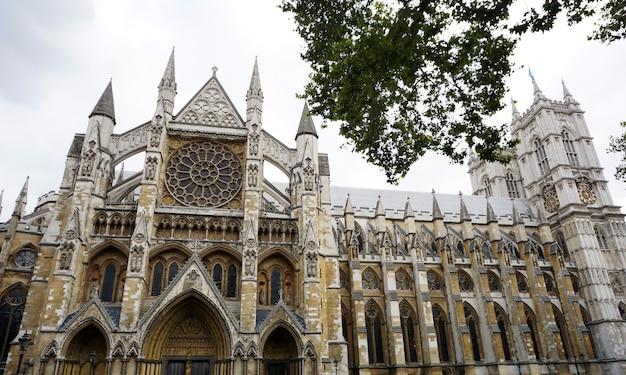 Arquiteto história victorian famous tower Foto gratuita