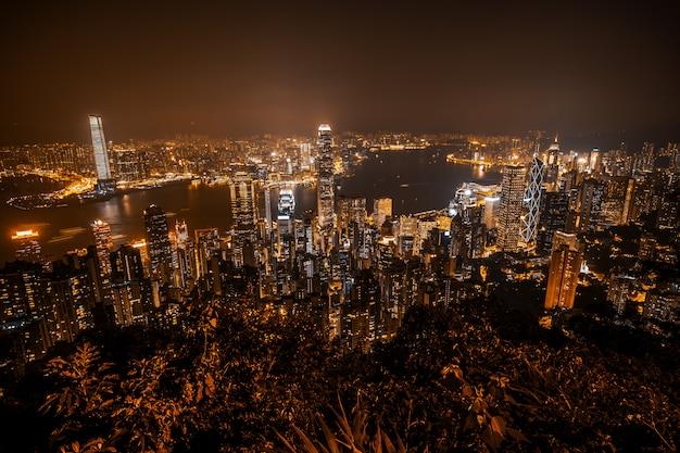 Arquitetura bonita que constrói a arquitetura da cidade exterior da skyline da cidade de hong kong Foto gratuita