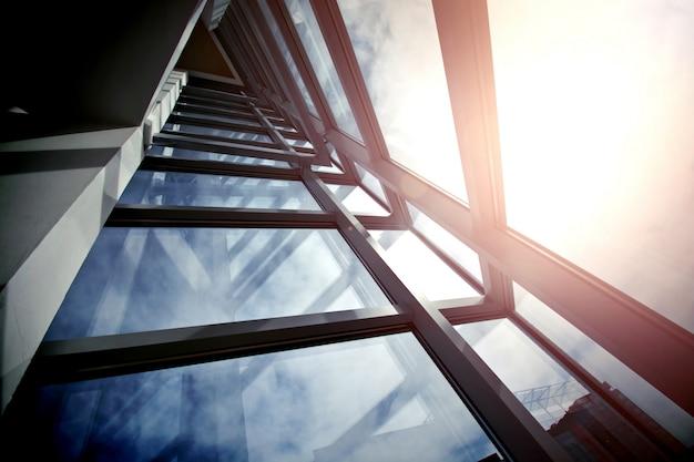 Arquitetura de negócios moderna. Foto gratuita
