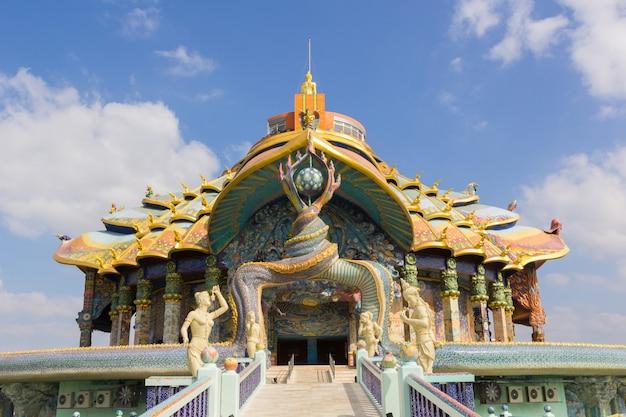 Arquitetura, em, wat, ban, rai, nakhon, ratchasima, província, tailandia Foto Premium