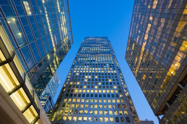 Arranha-céu do edifício de escritórios de londres Foto Premium