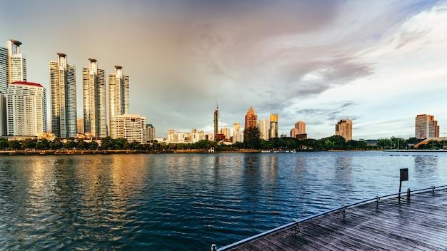 Arranha-céu em banguecoque Foto Premium