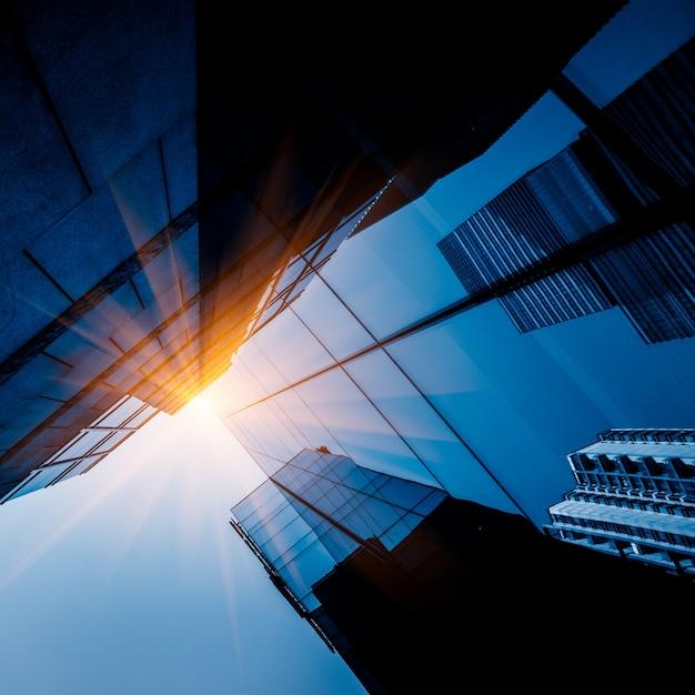 Arranha-céus, baixo, ângulo, vista Foto gratuita