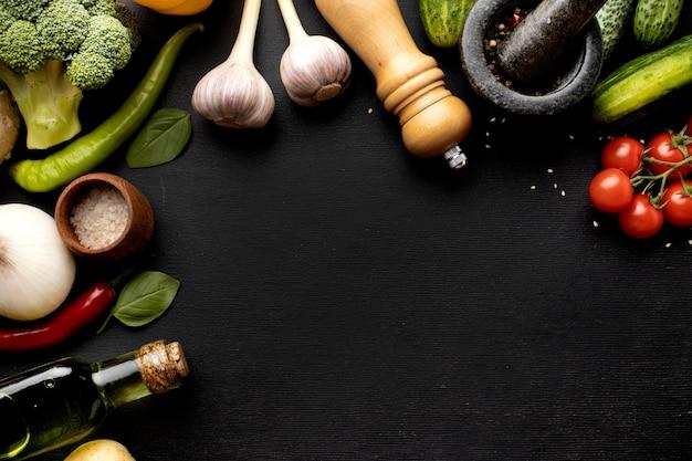 Arranjo de deliciosos vegetais frescos com espaço de cópia Foto Premium