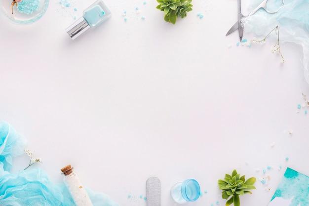 Arranjo de elementos de tratamento de unhas com espaço de cópia Foto gratuita