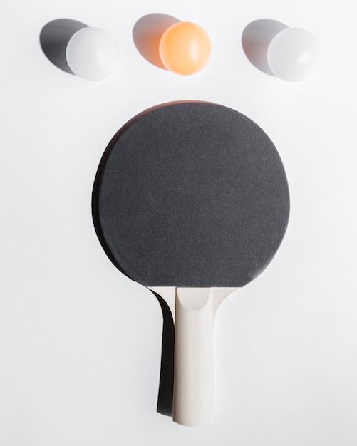 Arranjo de equipamento de tênis de mesa Foto gratuita