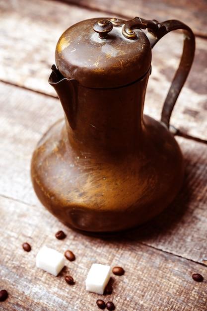 Arranjo de feijões de café closeup Foto Premium