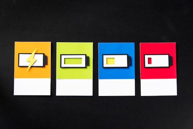 Arte de artesanato de papel 3d de uma bateria de carregamento Foto gratuita