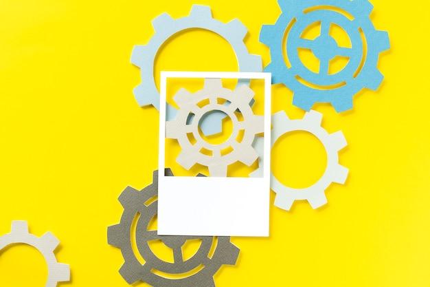 Arte de papel ofício de engrenagens Foto gratuita