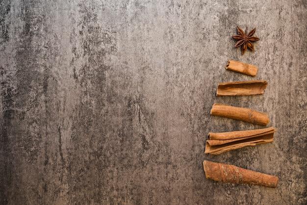 Árvore natal, de, latido, ligado, tabela Foto gratuita