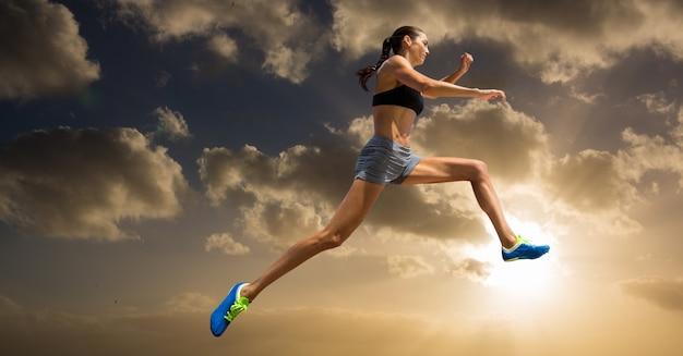 Atletismo luz do sol mulher cortar grande Foto gratuita
