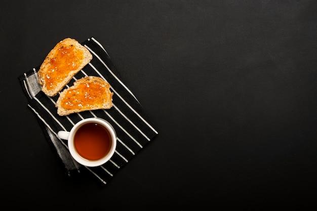 Atolamento no espaço da cópia do pão Foto gratuita