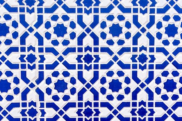 Azulejos marroquinos com padrões tradicionais árabes, padrões de telhas cerâmicas como textura de fundo Foto Premium