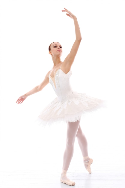 Bailarina realizando Foto gratuita