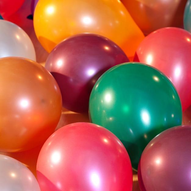 Balões coloridos em uma festa Foto Premium