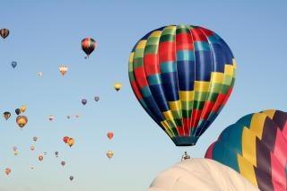 Balões de ar quente bonito Foto gratuita