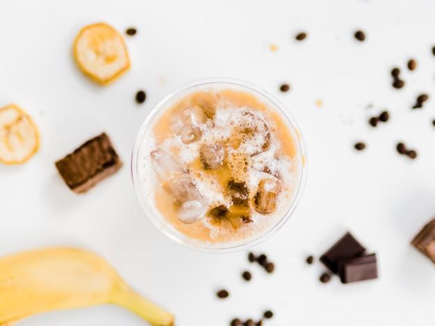 Banana e chocolate gelado Foto gratuita