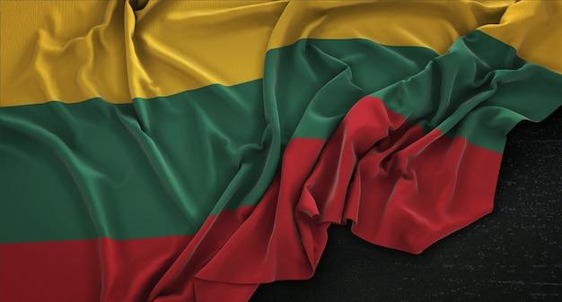 Bandeira da lituânia enrugada no fundo escuro 3d render Foto gratuita