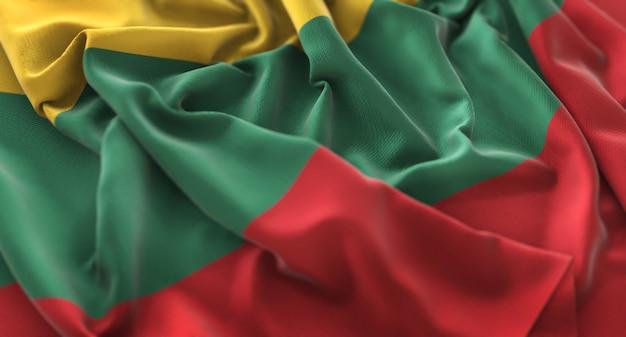 Bandeira da lituânia ruffled beautifully waving macro close-up shot Foto gratuita